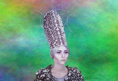 S N O W Q U E E N  ▷ Costumes & Makeup:    Jihane Marie Guillemin ▷ Show direction:              Kulturbruecke Paris-Berlin ▷ Theatre & art collective: Panzerkreuzer.Rotkäppchen  W I N T E R C U L T U R A L W A L K & T H E A T R E P L A Y  Premiere : 18.12.2016 - 4pm - Weinbergpark, Berlin To book your tickets, send a mail: info@kulturbruecke-paris-berlin.com