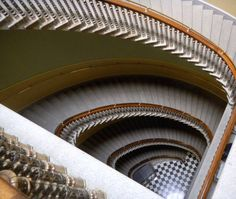 businessinsidera-job-perk-the-amazing-staircase-why-would-you-ever-take-the-elevator