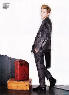 Kris - LOfficiel Hommes Magazine August Issue 13