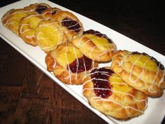 Helkan Keittiössä: Gluteenittomat Viinerit Baked Doughnuts, Sweet Pastries, Gluten Free Recipes, Baked Goods, Gin, Free Food, Waffles, Food And Drink, Homemade