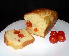 """Préparation : 20min – Repos : 15min– Cuisson : 45min Dans la famille """"je remplace des ingrédients classiques"""", je vous présente le cake au chèvre et aux tomates cerises. Ni beurre, ni yaourt dans ce cake salé : uniquement du bon fromage de chèvre frais, qui apporte un moelleux irrésistible ! SonLire la suite Cake au chèvre et aux tomates cerises"""