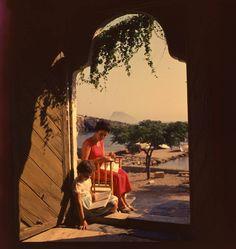 Ελλάδα Κύθηρα δεκαετία 1960 φωτογραφία Παύλος Μυλώφ. Greece History, Between Two Worlds, Cyprus, Travel Posters, Athens, Middle East, Old Photos, Travelling, Landscapes
