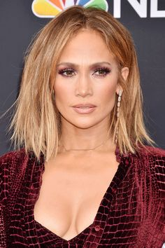 Jennifer Lopez Hair Color 2016 147318 Jennifer Lopez S Hairstyles & Hair Colors Jennifer Lopez Short Hair, Jennifer Lopez Hair Color, Jennifer Lopez Hairstyles, Short Hair Lengths, Short Hair Styles, Jlo Short Hair, Hair Color 2016, Hair Color Pictures, Honey Blonde Hair