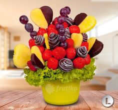 Strawberry and pineapple best couple ever make your loved one with from love flower http://www.frutiko.cz/en/from-love