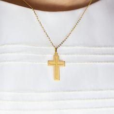 Cruz de oro 18k ideal como regalo de #comunión. Una joya de Argyor para guiar y proteger