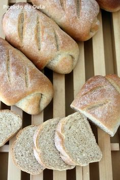 PECADO DA GULA: Pão Integral com leite Rustic Bread, No Salt Recipes, How To Make Bread, Catering, Bakery, Food And Drink, Yummy Food, Favorite Recipes, Healthy Recipes