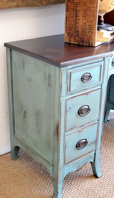 Changing color and hardware on a white, old fashion desk = chic.