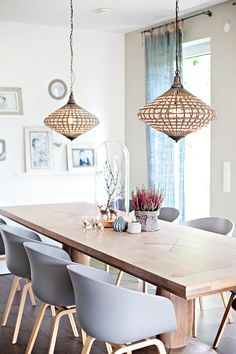 A great dining room in bright colors and stylish furniture. More ideas … A great dining room in bright colors and stylish furniture. More ideas … Dining Room Design, Dining Room Decor, Room Decor, Home And Living, Decor, House Interior, Stylish Furniture, Home, Home Decor