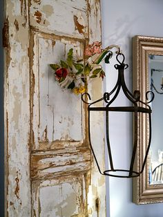 chippy door with lantern lampara pantalla antigua hierro mueble
