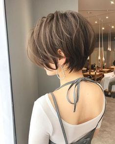 short hair for round face asian layered haircuts Short Hair With Layers, Short Hair Cuts For Women, Back Of Short Hair, Short Short Hair, Medium Hair Styles, Curly Hair Styles, Pixie Styles, Shot Hair Styles, Short Bob Hairstyles