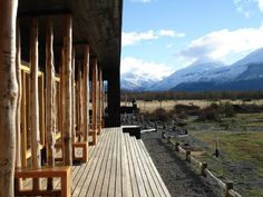 lovely traditional Japanese vibe in a building on the other side of the planet...Patagonia Lodge / Cooprogetti Arquitectos