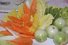 Red and yellow carrots with vegetables. Jong& Carving, Restaurant Benjarong Thai Cuisine, Baar, ZG, Switzerland - www. No Wifi Games, Food Carving, Culinary Arts, Fruits And Vegetables, Switzerland, Carrots, Restaurant, Yellow, Red