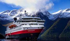 Explore Hurtigruten'