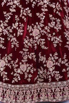 Bridal Lehenga Online, Designer Bridal Lehenga, Indian Bridal Lehenga, Indian Bridal Outfits, Pakistani Bridal Dresses, Indian Gowns, Lehenga Pattern, Bridal Lehngas, Beautiful Dress Designs