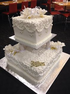 40th wedding anniversary cake. A replica ( or as best as I could get) of the original wedding cake.