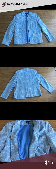 Beautiful Light Blue Blazer This light blue and white pattern blazer is in good condition. Last picture shows a small white spot and a small knot. Otherwise no rips, stains or tears. Made of 63% polyester and 37% rayon. Karen Scott Jackets & Coats Blazers