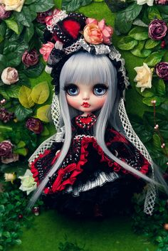 Custom blythe. Looks like the Queen of Hearts