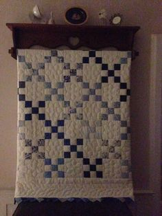 I may use this pattern for all of my blue and white/cream fabric. Black And White Quilts, Blue And White Fabric, Patchwork Quilt, Mini Quilts, Elephant Quilt, Irish Chain Quilt, Quilt Display, Two Color Quilts, Yellow Quilts
