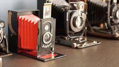 クラウドファンディング・Kickstarterに登場した段ボールでできたインスタントカメラ「Jollylook」の紹介 。マニュアル撮影、二重露光まで対応しているので、かなり楽しめそうだ。