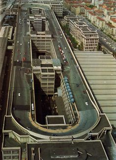 Fiat Lingotto factory in Turin, Italy with a test track on the roof - this is what I want when I go for a coffee break at work; a test track on the roof of the office! Fiat Cars, Fiat Abarth, Fiat Cinquecento, Fiat 500l, Voyage Europe, Belle Villa, Pista, Vintage Racing, Bugatti