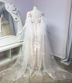 Fairy wedding dresses Dress up your home with a wall fountain Article Body: Fantasy Wedding Dresses, Fairy Wedding Dress, Fantasy Gowns, Fairy Dress, Pretty Dresses, Beautiful Dresses, Fantasias Halloween, Fairy Clothes, Fairy Princesses
