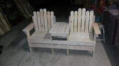 This could be place in TV lounge for the couple to sit and watch TV together, or you can place it in your study. This repurposed pallet wood chair could also be made luxury one by placing some comfortable cushions on it.