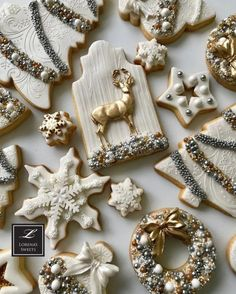 25 Christmas Sugar Cookie Tutorials and Inspiration! - Queens Cake Creations 25 Christmas Sugar Cookie Tutorials and Inspiration! Christmas Biscuits, Christmas Sugar Cookies, Christmas Sweets, Holiday Cookies, Christmas Baking, Gingerbread Cookies, White Christmas, Christmas Time, Star Sugar Cookies