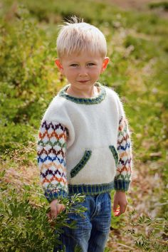 boys kids icelandic sweater, photo from istex lopi knitting pattern, fuzzy fluffy childs childrens lopapeysa nordic