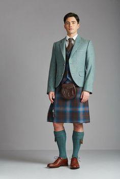 Men In Kilts, Kilt Men, Great Kilt, Modern Kilts, Kilt Jackets, Irish Clothing, Utility Kilt, Conservative Fashion, Man Skirt