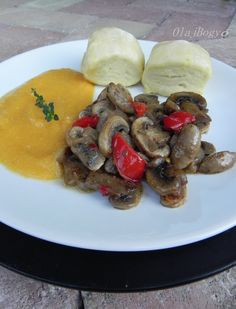 OlajBogyó: Saját recept Sausage, Meat, Chicken, Ethnic Recipes, Food, Red Peppers, Sausages, Essen, Meals