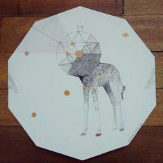 """ Salió la A "" posa calientes, pieza única #Himallineishon #handpainted #handmade #illustration #homedecor #jiraffe #geometry"