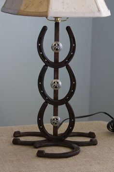 Horse shoe Lamp  i so want this!!