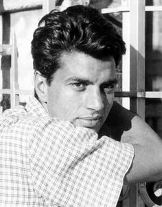 Unseen Pics of Bollywood Super Star Dharmendra Images) Bollywood Posters, Bollywood Pictures, Bollywood Cinema, Bollywood Actors, Bollywood Celebrities, Most Handsome Actors, Designer Dog Beds, Vintage Bollywood, Indian Movies