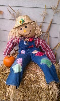 Scarecrow fall decor