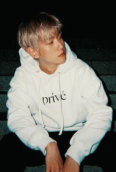 Cre: the owner/as logo Baekhyun Chanyeol, Park Chanyeol, Shinee, Exo Lockscreen, Exo Korean, Exo Do, Korean Couple, Kpop Exo, Exo Members