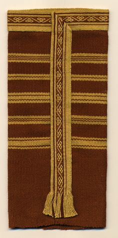 Anglo Saxon Clothing, Medieval Clothing, Historical Clothing, Tablet Weaving Patterns, Loom Patterns, Medieval Crafts, Inkle Loom, Card Weaving, Textile Art