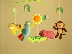 (((INKL.)))  Dieser Kindergarten mobile enthält 5 Tiere (Affe, Papagei, Alligator, Tiger, Hippo), lächelnde Sonne und 8 Blätter. Sie sind von einem