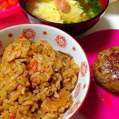 トマトの炊き込みごはん♡ なかなかいけますよーん◡̈♥︎ ちょこちょこ炊きます(ノ▽〃) - 161件のもぐもぐ - 手作り♡トマトと塩こんぶの炊き込みごはん。 by momoririrennon