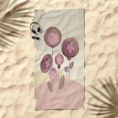 Flowers en Rose Beach Towel by mirimo | Society6