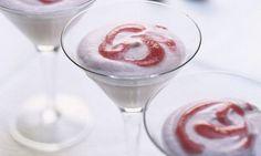 Jogurt-Rhabarber-Mousse - Rezepte - Schweizer Milch Mousse, Martini, Wine Glass, Sweets, Baking, Desserts, Tableware, Yogurt, Milk