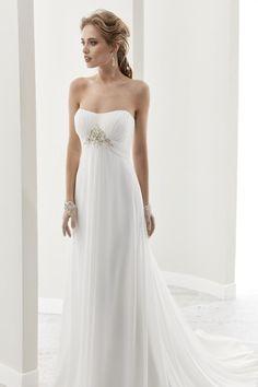 Gli abiti da sposa del 2017  delicatezza ed eleganza in un vestito perfetto a620e5fd8d0