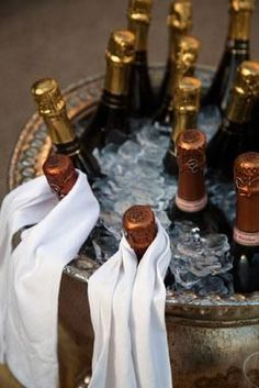 Champagne and cheers! Cheers, New Year Celebration, Nouvel An, Sparkling Wine, Snack, New Years Eve, Happy New Year, A Table, Fine Dining