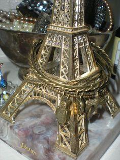 Eiffel Tower Bracelet Rack