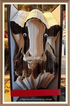 Cow No. of Pages: 497 Book Height (cm): 21 Method: Combi Cut & Fold Listing is for Book Fold Pattern Folded Book Art, Paper Book, Old Book Crafts, Paper Crafts, Book Folding Patterns Free, Magazine Crafts, Recycled Books, Altered Book Art, Pattern Art