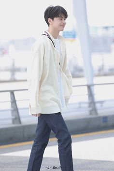 Boy Paradise, Li Hong Yi, Chinese Boy, China, Cute Guys, Kdrama, Wattpad, Normcore, Handsome