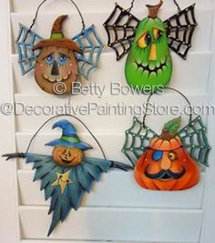 The Decorative Painting Store: Frightful Ornies ePattern - Betty Bowers - PDF… Country Halloween, Halloween Signs, Holidays Halloween, Halloween Pumpkins, Halloween Decorations, Halloween 2019, Halloween Patterns, Halloween Projects, Wood Craft Patterns