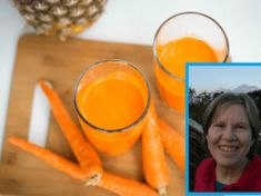 Author's Stage 4 Cancer Cured by Carrot Juice Regimen Stage 4 Colon Cancer, Beat Cancer, Lung Cancer, Natural Cancer Cures, Natural Cures, Best Juicer, Cancer Fighting Foods, Cancer Facts, Carrots