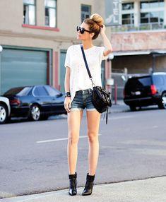 denim shorts with white tee