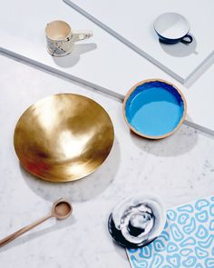 TABLETOP TRENDS FROM THE DESIGN FILES - Beautiful blue - fresh and new