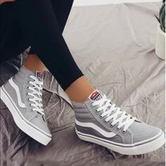 High Top Vans Outfit, Tennis Shoes Outfit, High Top Sneakers, Summer Sneakers, Vans Sk8 Hi Outfit, White Vans Outfit, Sk8 Hi Vans, Summer Shoes, Vans Shoes Fashion